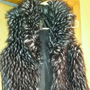 NWOT Women's Faux Fur Vest, Black/White  M